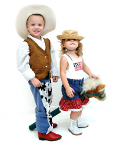 canstockphoto10742516-cowboy&cowgirl-cropped